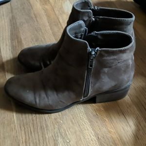 Mia Brown suede booties. 7.5